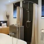 Foto: Martin B. aus Iserlohn - halbrunde Duschvorhangstange von PHOS Design