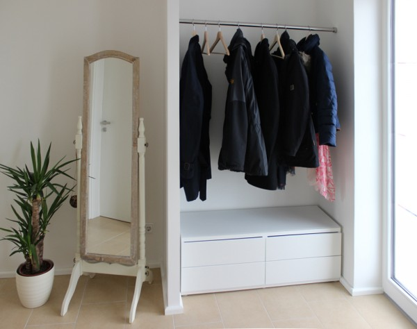 inspiration garderobe phos edelstahl design. Black Bedroom Furniture Sets. Home Design Ideas