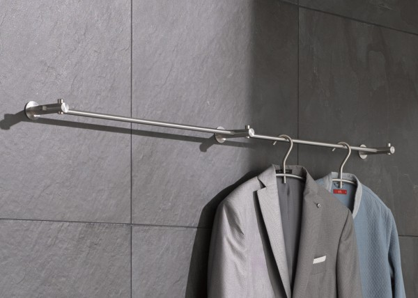 Wandgarderobe aus Edlestahl von PHOS Design speziell für schmale Flure