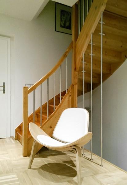 Foto: Birgit H. aus Hohenstein-Ernstthal - Individueller Garderobenstaender GL1 unter Treppe