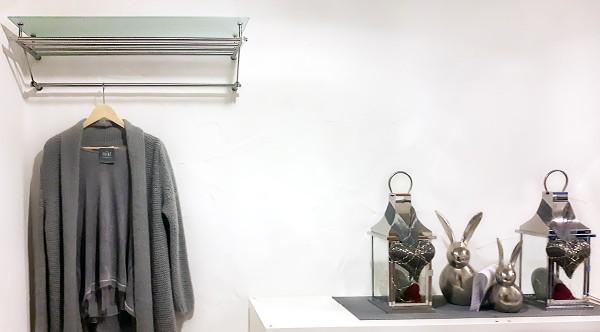 Kundenfoto: Susanne K. aus Saarbrücken - Garderobe mit Glasablage G8-600
