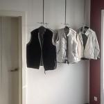Foto: Thomas M. aus Nordwalde - drei individuell angefertige Garderoben zur Deckenbefestigung