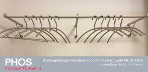 Nils K. -Individuelle Wandgarderobe mit Kleiderbügeln